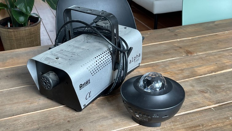 Rookmachine en laser/disco lamp