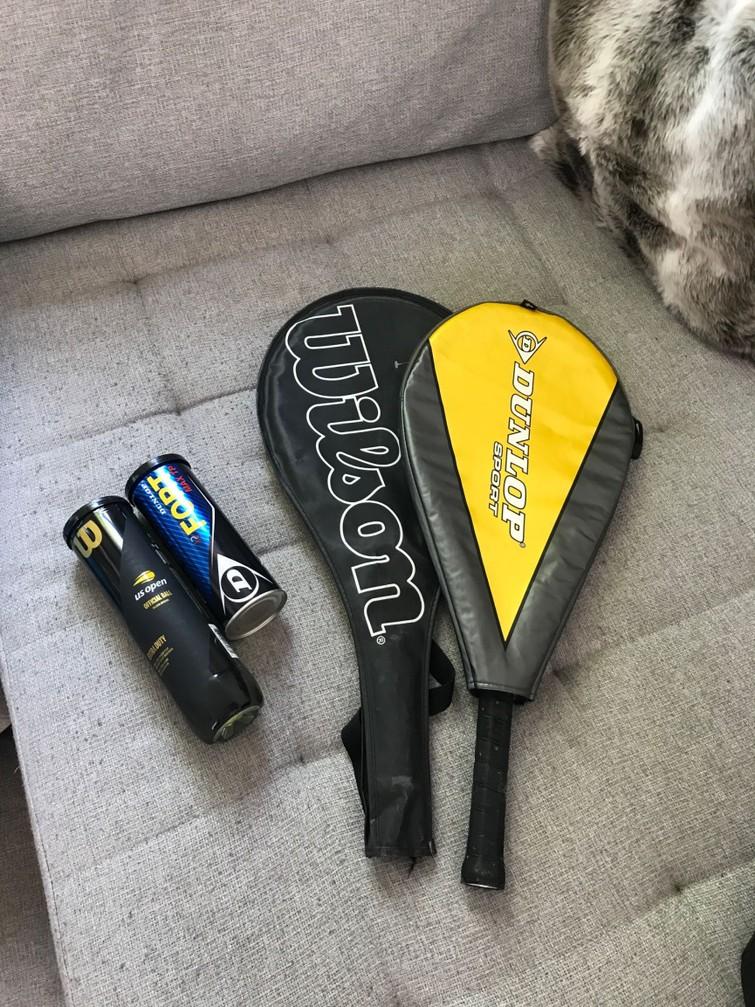 Tennis rackets (2x) w/ tennis balls (5x)