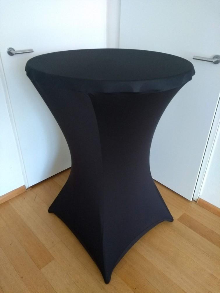 Statafel met zwarte rok