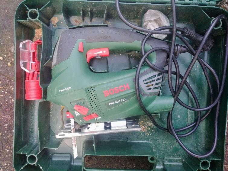 Decoupeerzaag Bosch 900w