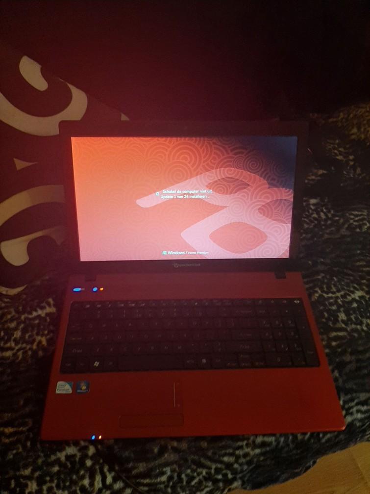 Packard Bell laptop (Windows 7 Premium)