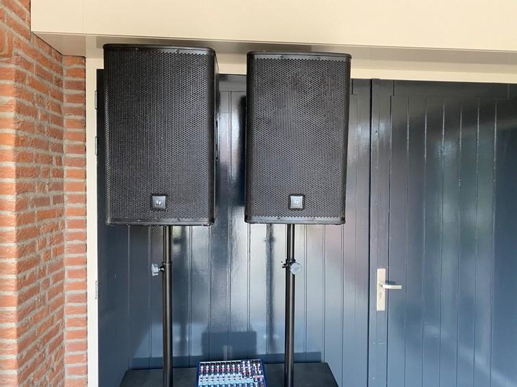 Geluidset speakerset lichtset verhuur