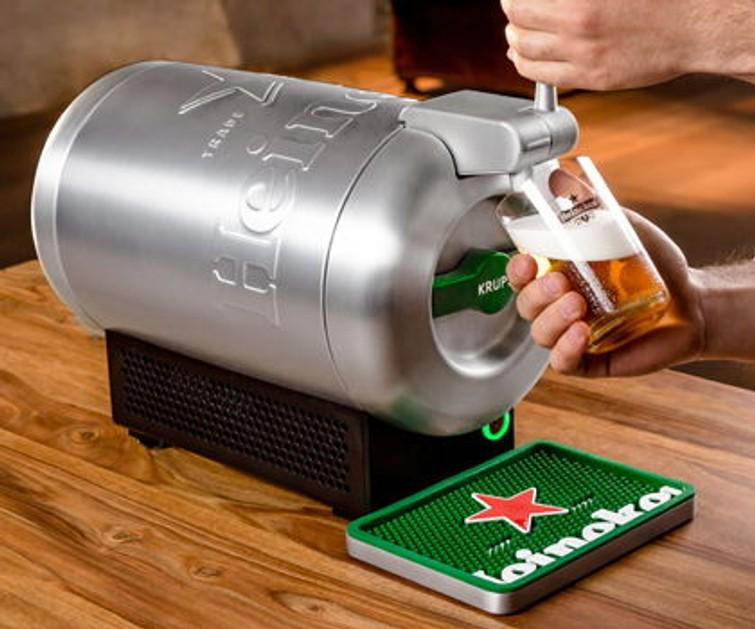 Biertap. Het is de Heineken Beertender. Je kan fustjes online bestellen.