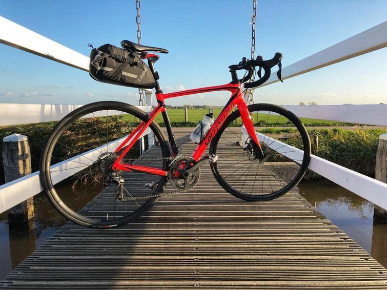 Carbon racefiets 54 cm (= lichaamslengte 166-180 cm) Specialized