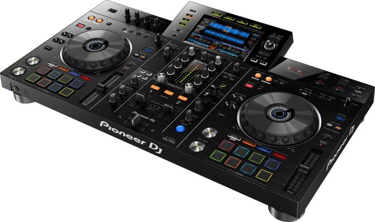 Pioneer XDJ-RX2 All in One USB DJ SET