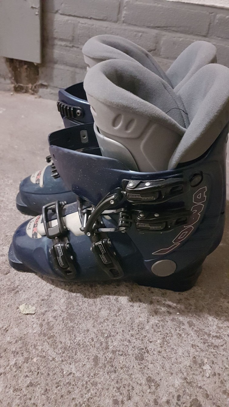 Ski shoes size 40 (woman)
