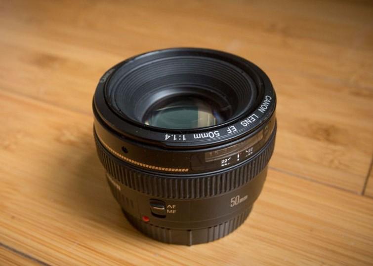 canon 50mm F/ 1.4 USM Lens