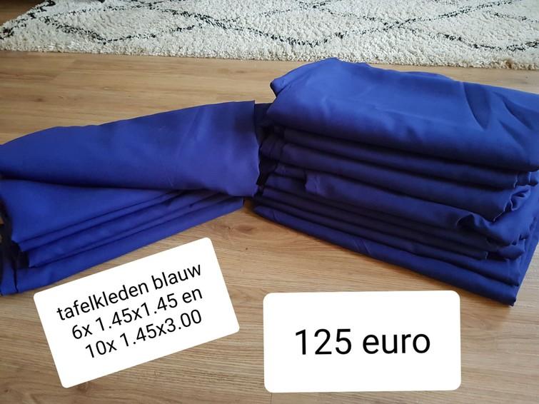 Tafelkleden koningsblauw 16 stuks