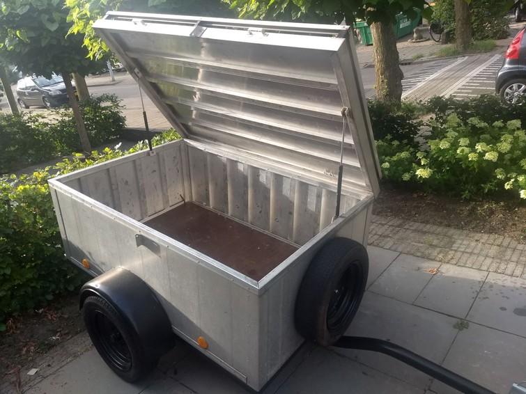 Bagagewagen / gesloten aanhanger voor o.a. vakanties