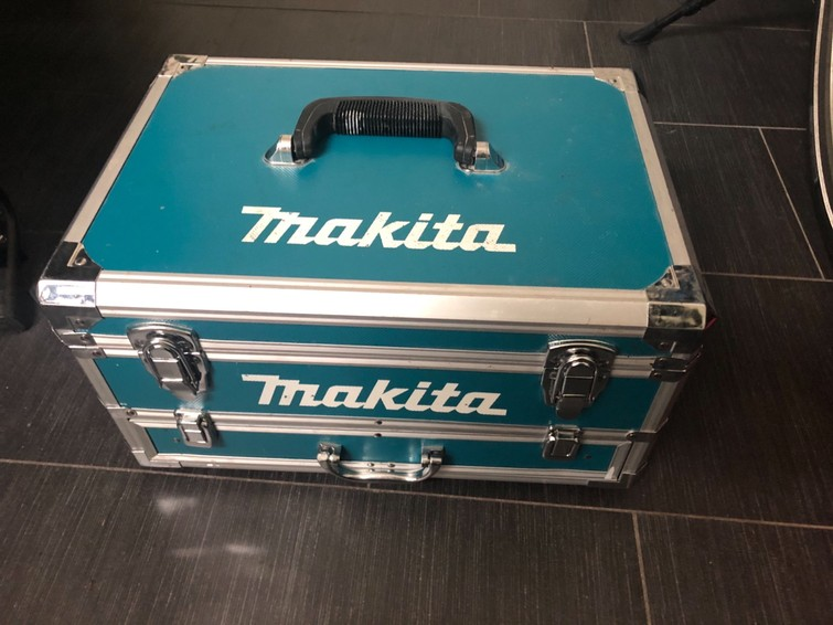 Makita Accuboormachine, inclusief koffer met accessoires