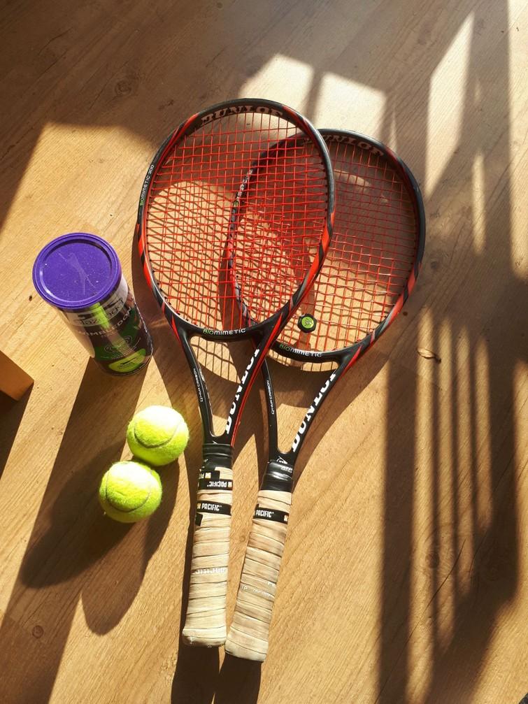 Dunlop Biomimetic Tennisrackets inclusief tas en tennisballen
