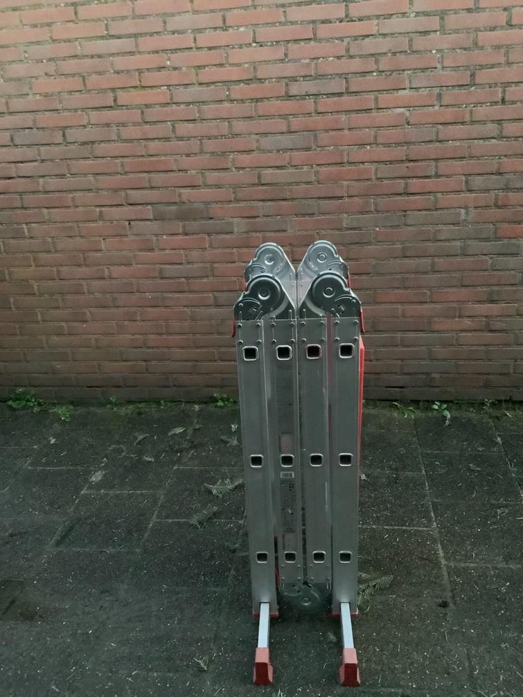 Ladder (vouw) 2,5 meter.