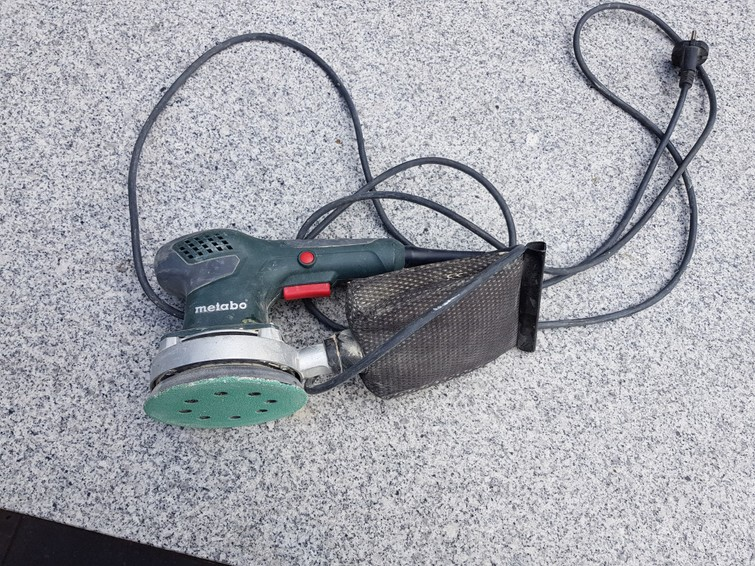 Vlakschuurmachine Metabo met afzuiging en klitteband