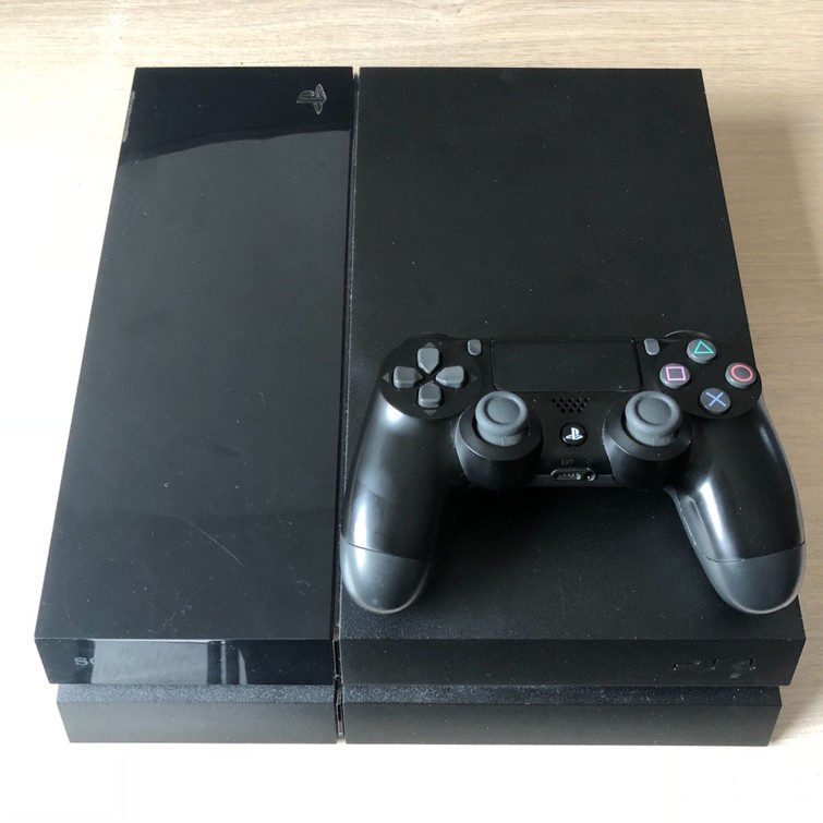Playstation 4 500GB (PS4) - Zo goed als nieuw te huur!