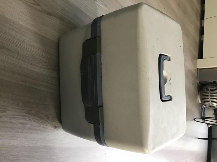 Auto koelbox/warmvoelend 12 Volt aansluiting