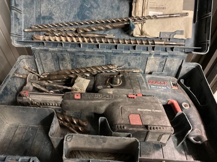 Boormachine met gebruik van de boren