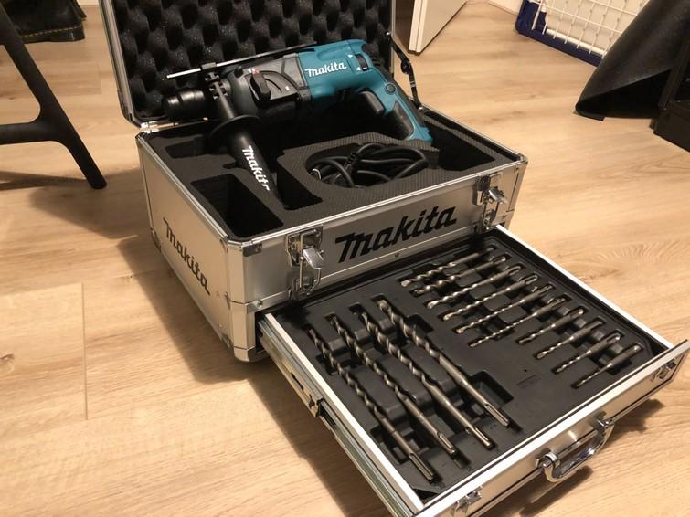 Zware Boorhamer Makita 710W,  2,2 J, SDS 22M, + Set 5 tot 16mm SDS boren (GLOEDNIEUW)