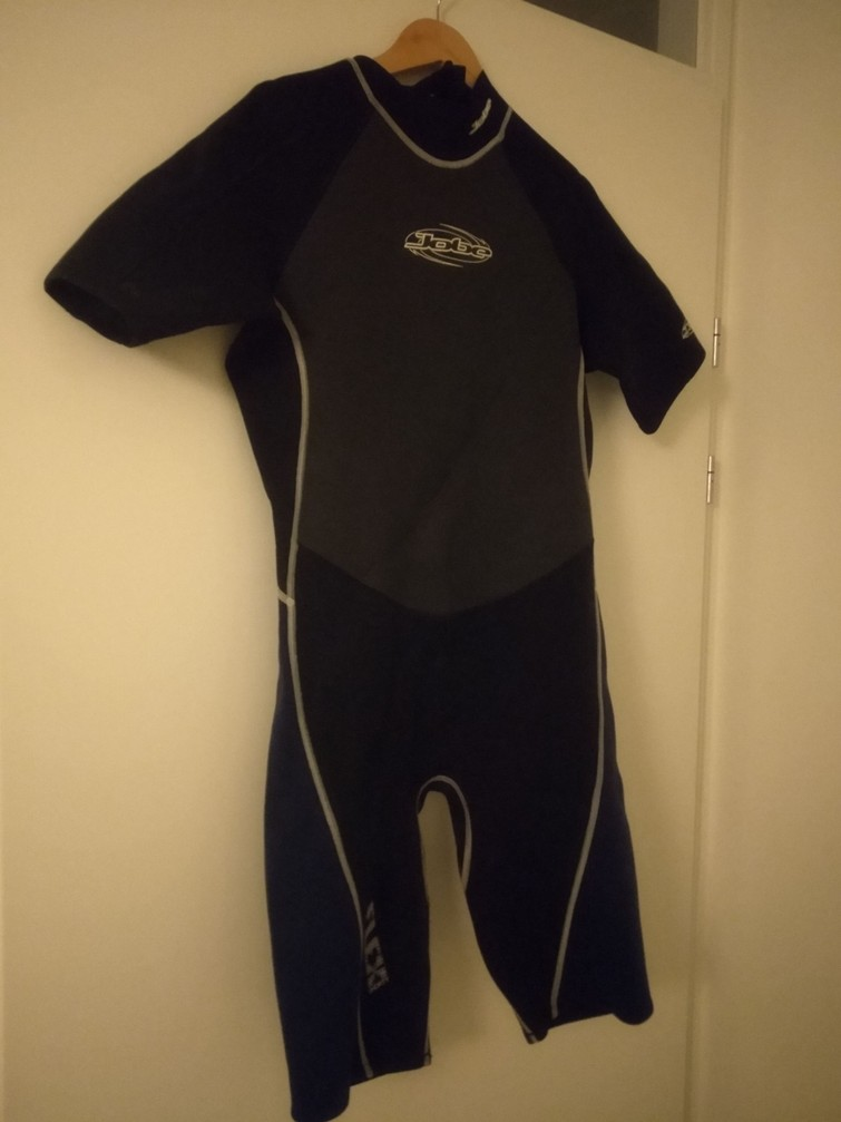 wetsuit / swimsuit