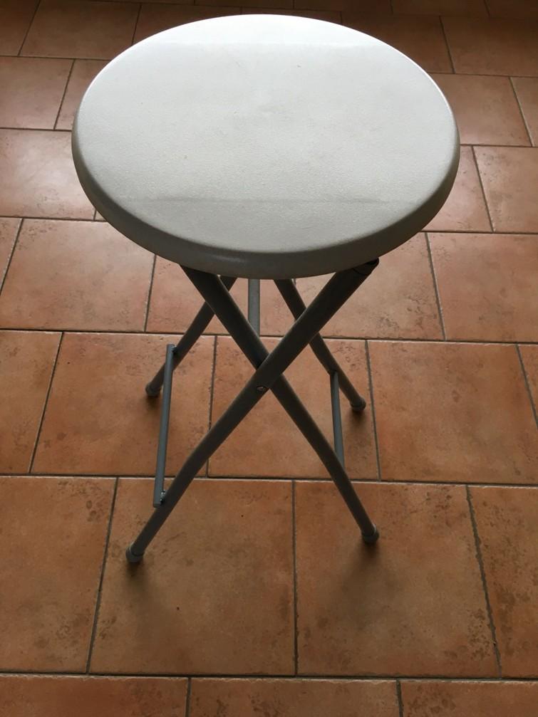 Kruk(2stuks) , inklapbaar, hoogte 70 cm, diameter 30 cm