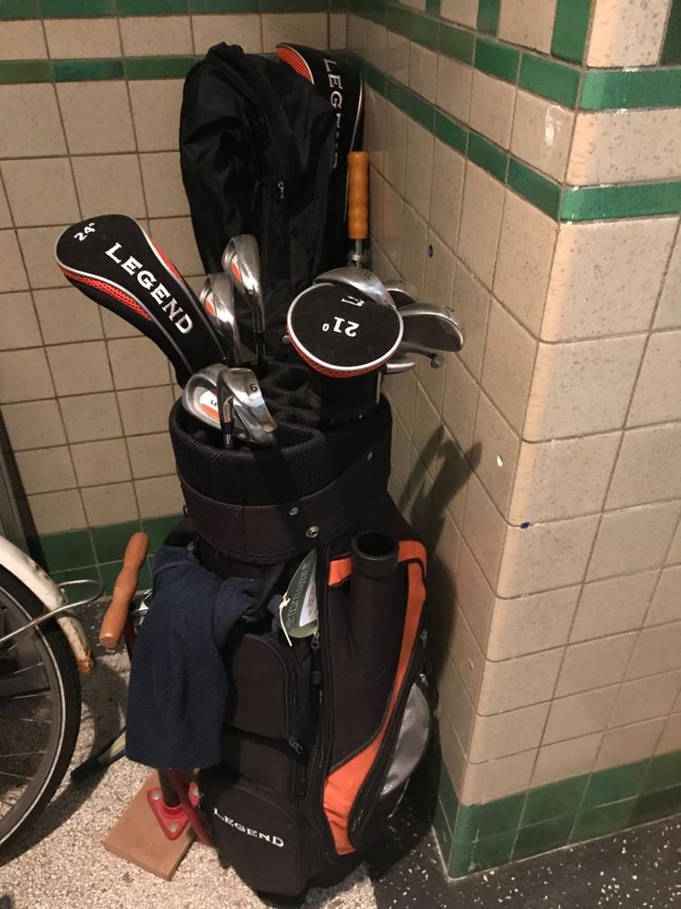 golf clubs\tas