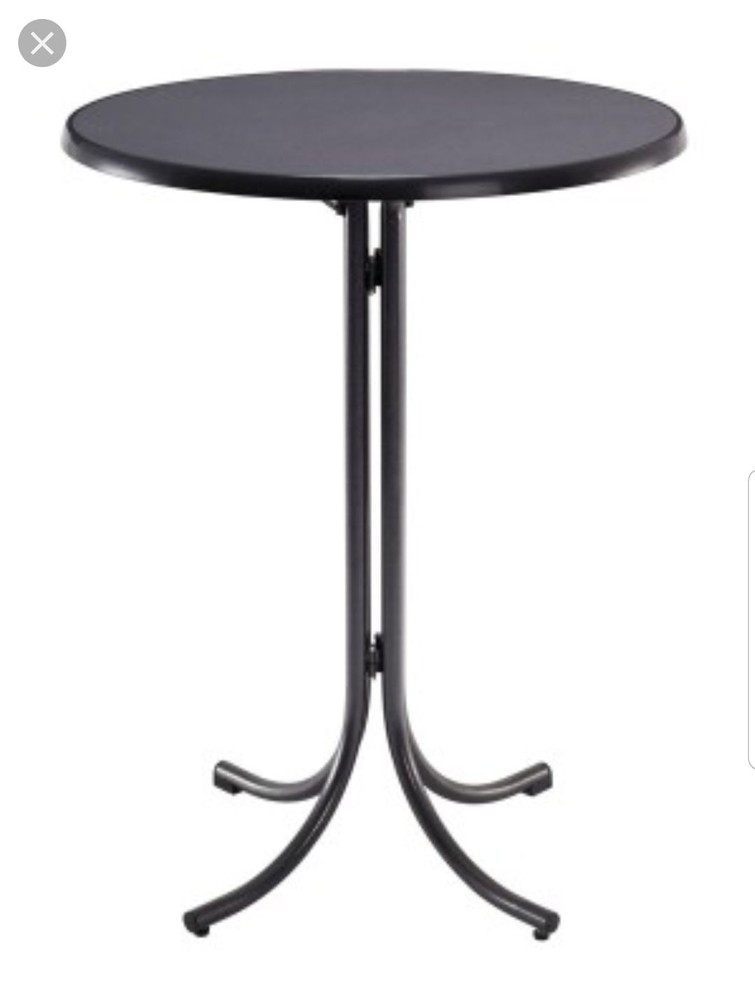 Sta tafel en bijpassende kruk.